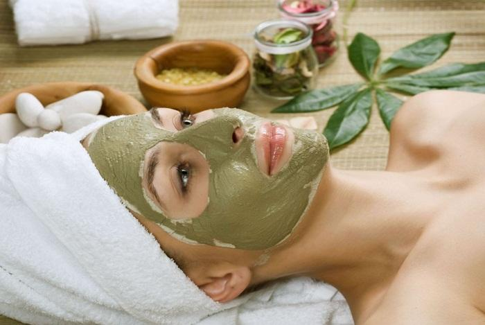 Face Packs Using Pure Aloe Vera Gel