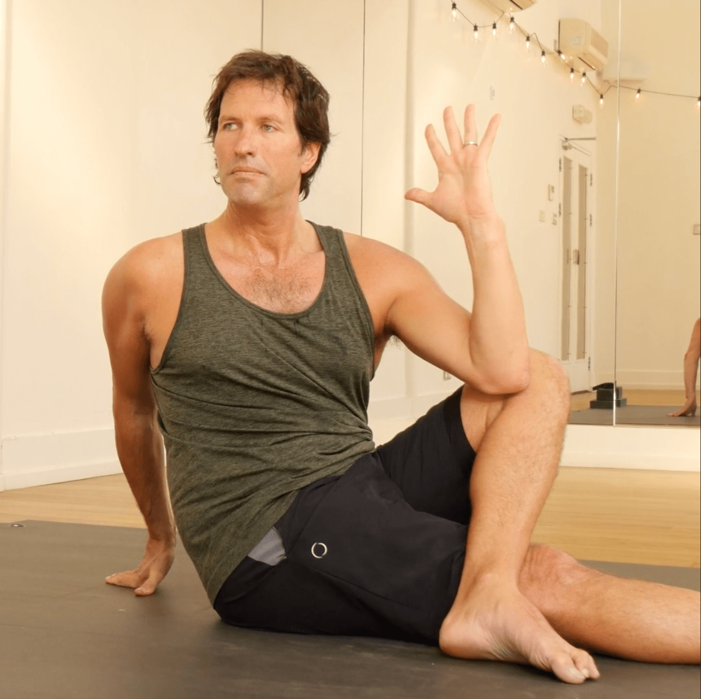 5 good poses for digestion